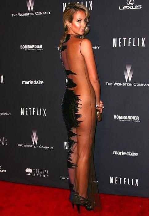 Сексуальные платья звезд (30 фото)