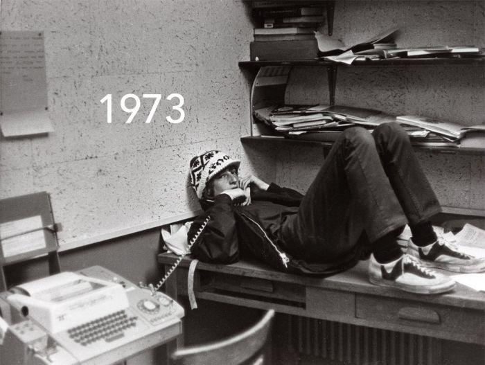 Миллиардер Билл Гейтс воссоздал известный снимок из молодости (2 фото)