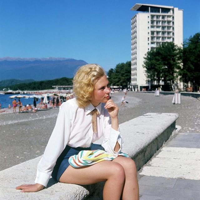 Очаровательные советские девушки (50 фото)
