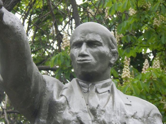 Самый необычный памятник Владимиру Ильичу Ленину (3 фото)