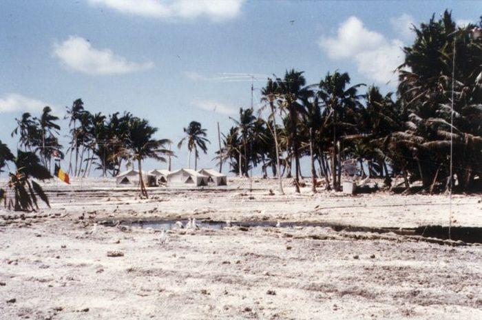 Жуткие истории пяти необитаемых островов (10 фото)