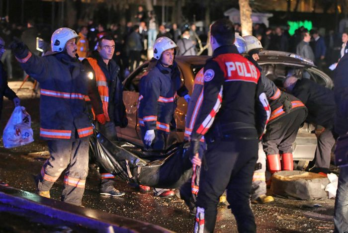 В деловом центре Анкары произошел крупный теракт  (14 фото + 2 видео)