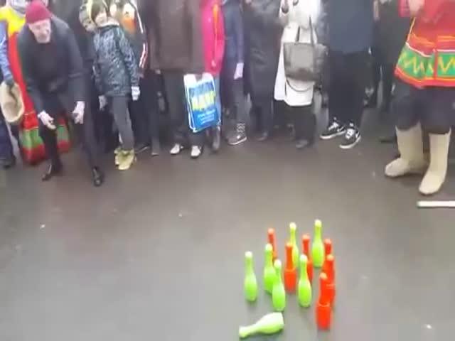 Владимир Жириновский на масленичных гуляниях в «Сокольниках»