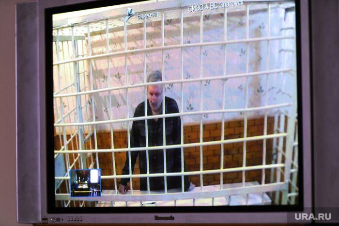 Уральскому дальнобойщику, пытавшемуся спасти свою дочь, дали 9 лет тюрьмы (5 фото + текст)