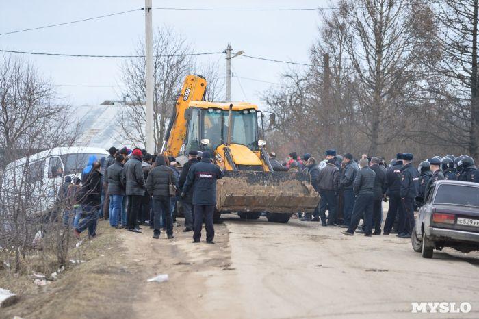 В поселке Плеханово под Тулой цыгане устроили беспорядки (10 фото + 2 видео)