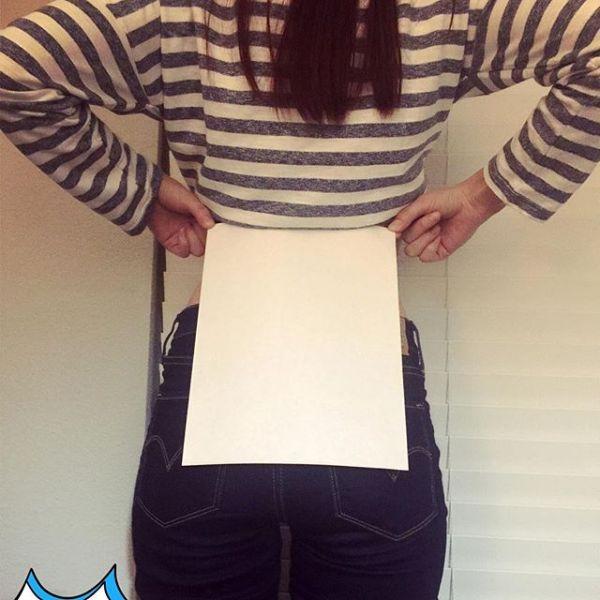 Китаянки демонстрируют стройность талии при помощи листа бумаги А4 (26 фото)