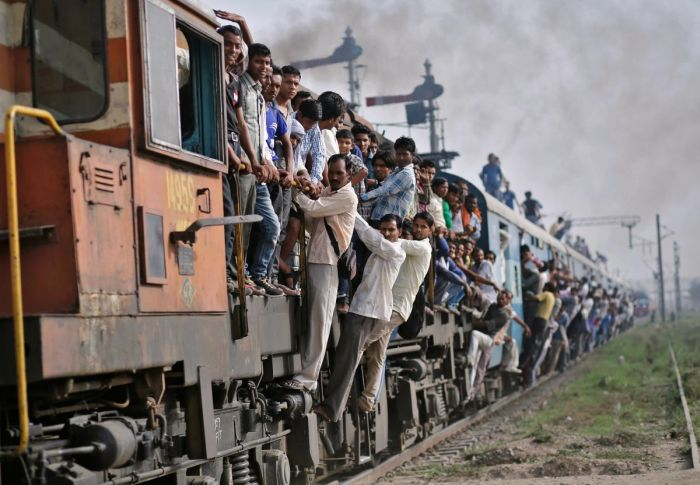 Железнодорожный транспорт Индии (13 фото)