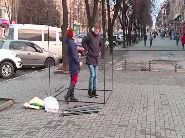 Молодые журналисты не смогли собрать палатку