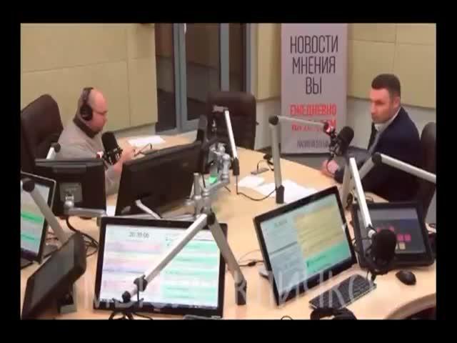 Виталий Кличко о закатанных носках и волшебных пенделях