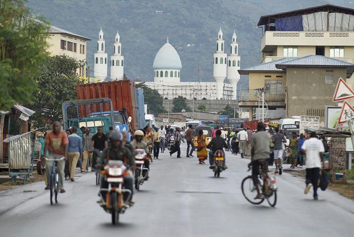 Бурунди - самая несчастливая страна мира (24 фото)