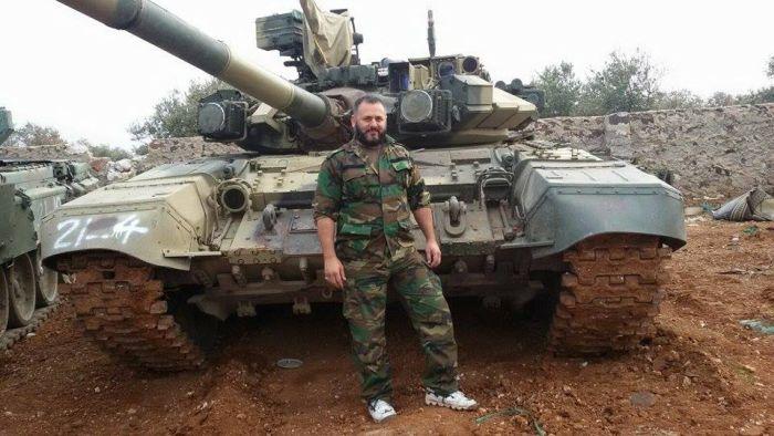 Опубликовано фото танка Т-90, выдержавшего попадание противотанковой ракеты (2 фото)