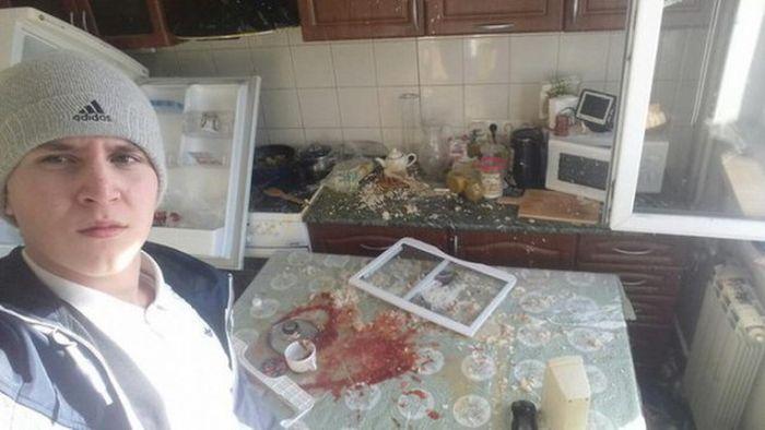 Последствия вечеринки на съемной квартире (4 фото)
