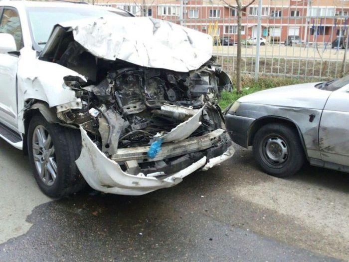 В Краснодаре пьяный водитель Porsche Cayenne устроил дорогое ДТП (10 фото + видео)