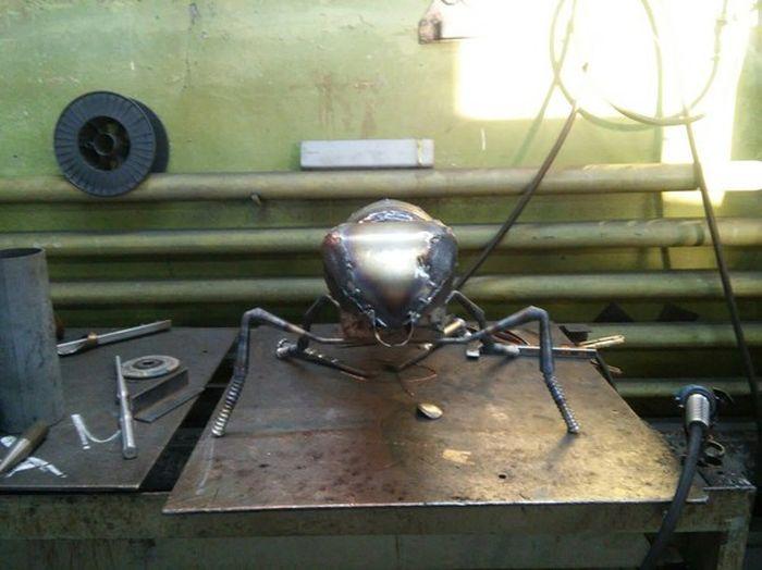 Как делали металлическую пчелу (20 фото)