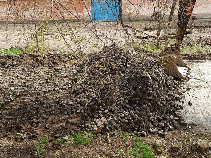 Председатель Госсовета Крыма предложил брать в плен немцев для ремонта дорог (4 фото)