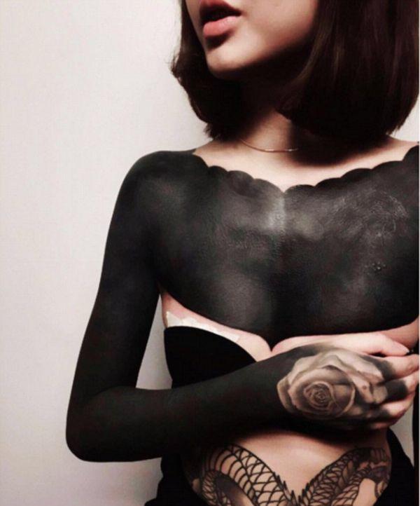 Новая мода: закрашенные татуировки (9 фото)