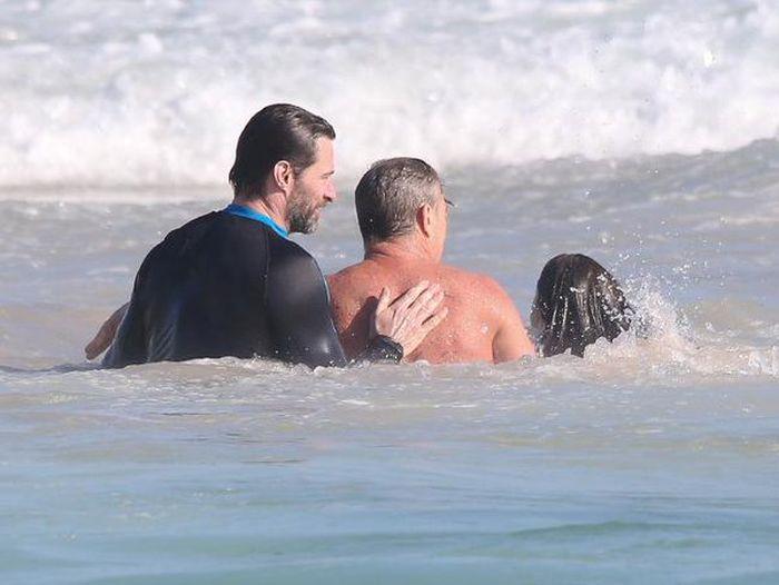 Хью Джекман спас людей на пляже Сиднея (4 фото + видео)
