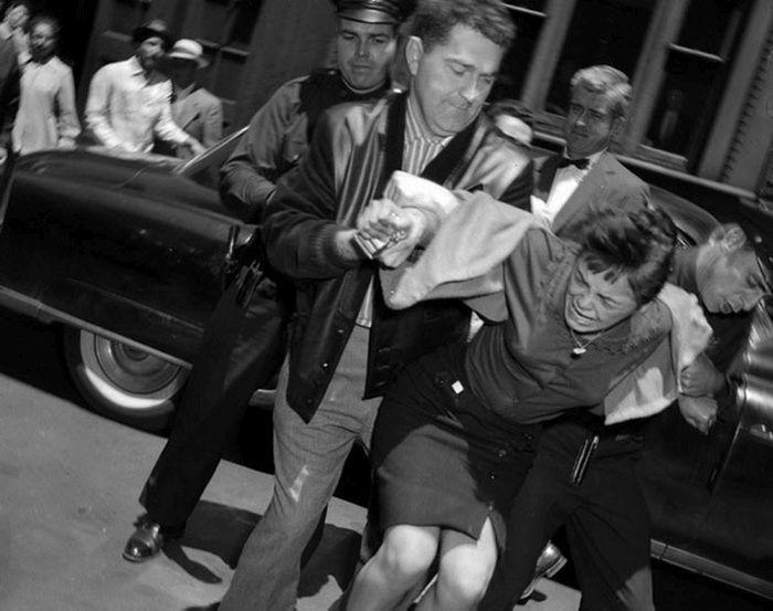 Редкие снимки возлюбленных американских гангстеров (15 фото)
