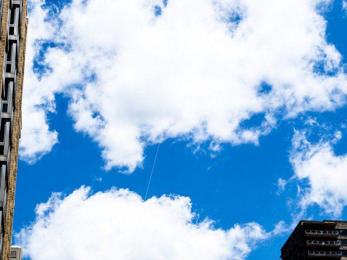 Иудейские нити в небе над мегаполисами (10 фото)