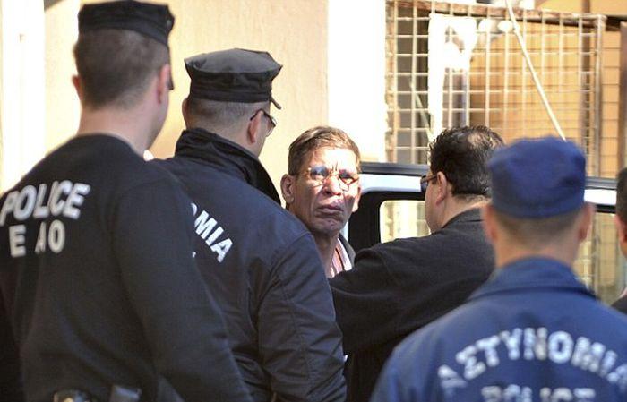 Мужчина, захвативший самолет, рассказал мотивы своего преступления (4 фото)