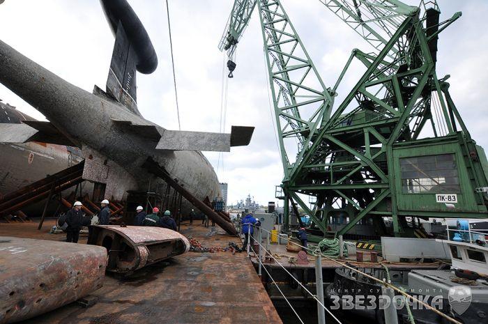 Перевозка подводных лодок на корабле (27 фото)