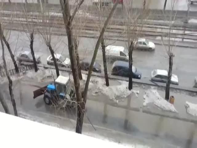 Недальновидные коммунальщики убирают улицы