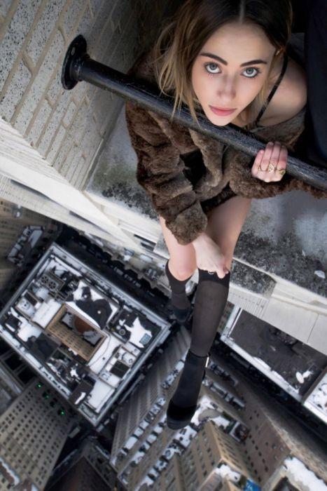 «Красавица и Нью-Йорк» - зрелищный фотосет на крышах небоскребов (23 фото)
