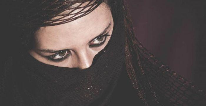 Наказание для неверных супругов в разных странах мира (11 фото)