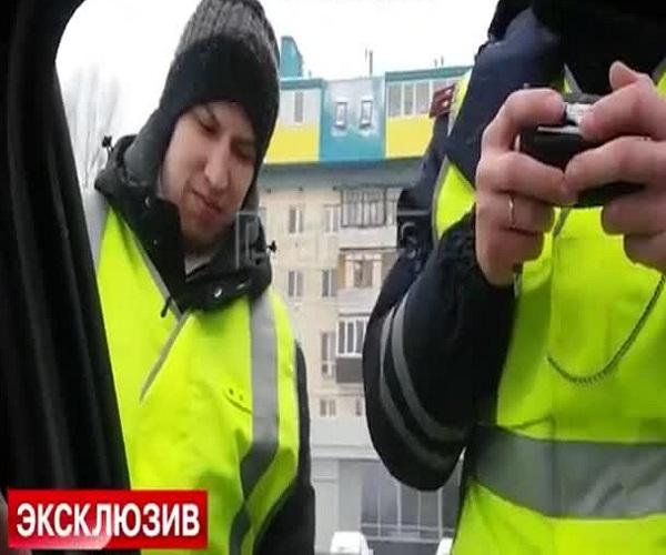 В Казани сотрудники ГИБДД на час задержали скорую помощь
