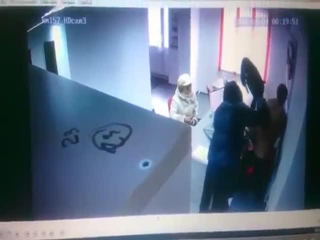 Четкое ограбление офиса микрокредитования