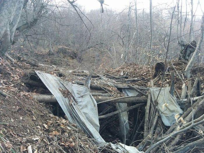 В Дагестане обнаружили блиндаж боевиков (9 фото)