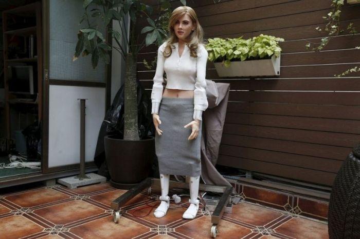 Китаец построил человекоподобного робота с внешностью Скарлетт Йоханссон (16 фото + видео)