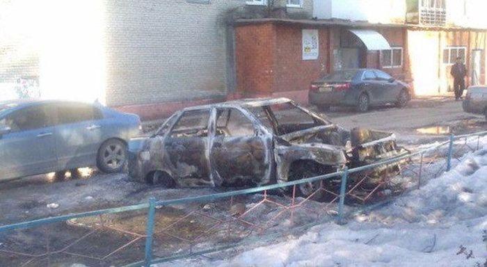 В Лобне участились случаи поджога автомобилей (2 фото)