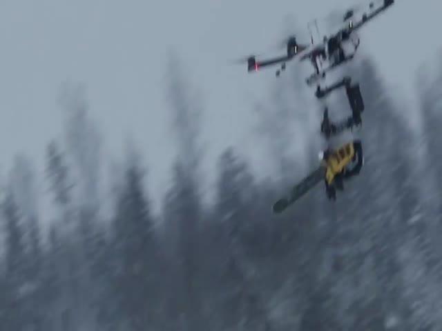 Бензопила на дроне