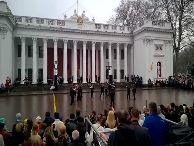 «Экспонат» группы «Ленинград» в исполнении оркестра Нацгвардии Украины