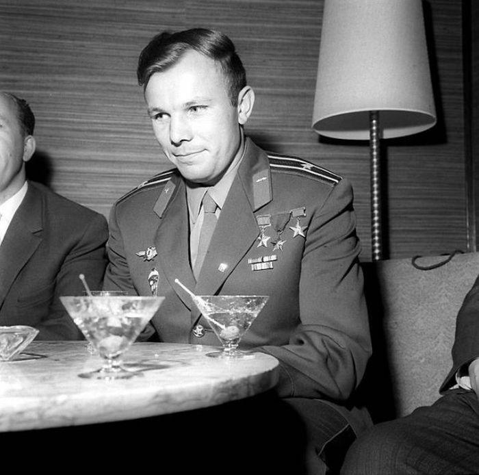 Редкие фото Юрия Гагарина в День космонавтики (18 фото)