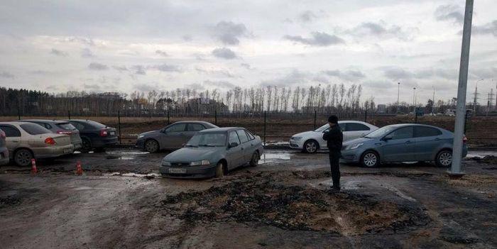Что стало с перехватывающей парковкой у метро «Соларьево» за 2 года (4 фото)