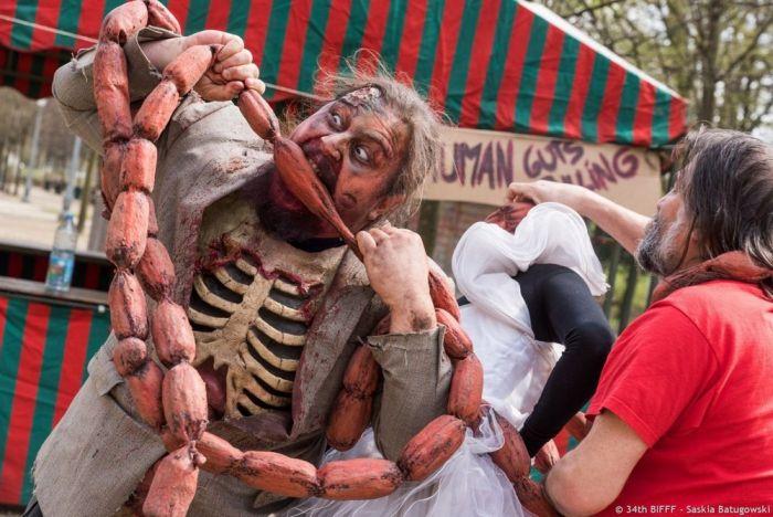 Зомби на улицах Брюсселя (28 фото)