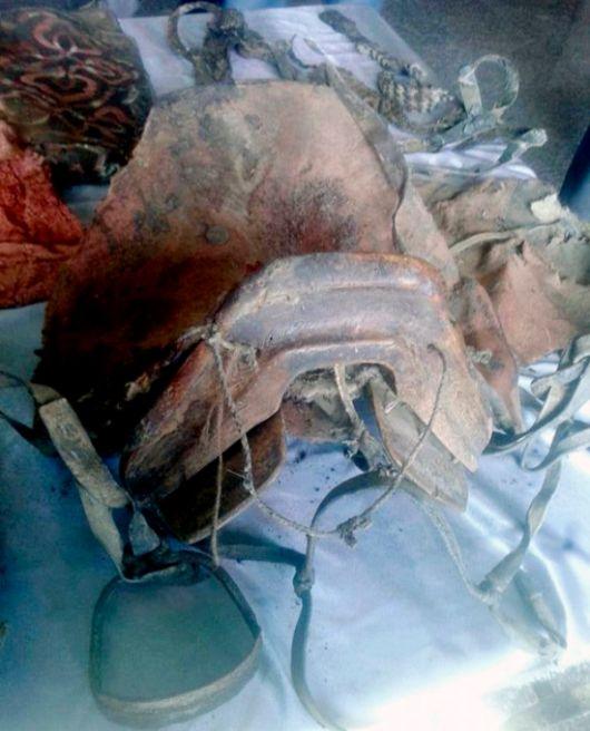 В Монголии обнаружили мумию в обуви, напоминающей современные кроссовки (6 фото)