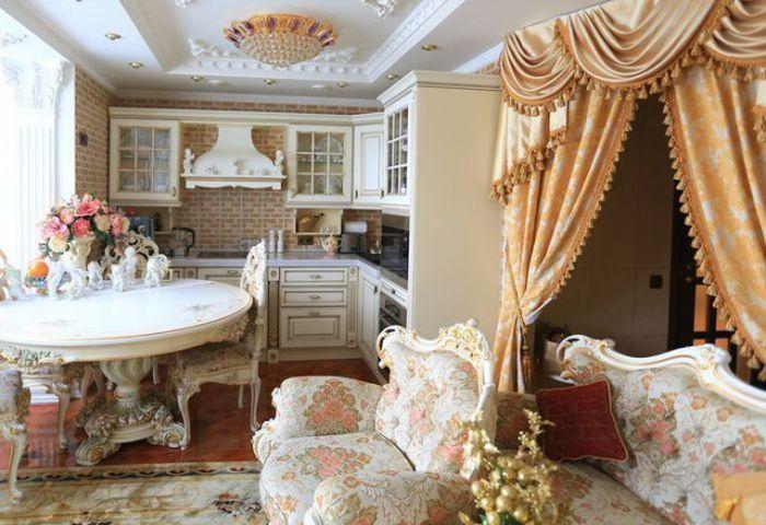Роскошный дворец внутри однокомнатной квартиры (13 фото)