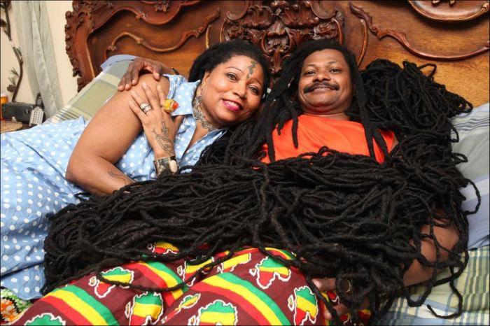 Обладательница самых длинных в мире волос Аша Мандела по прозвищу Раста-Рапунцель вышла замуж (6 фото)