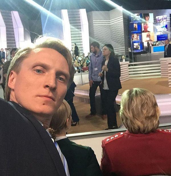 Конькобежец Иван Скобрев на «прямой линии» с Владимиром Путиным (2 фото)
