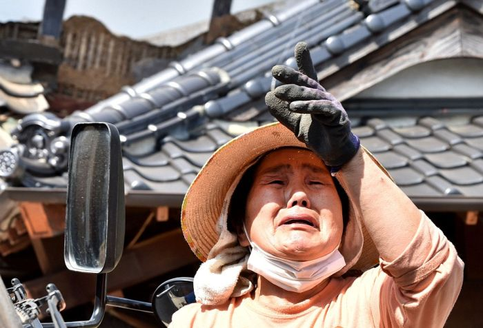 В Японии произошло крупнейшее за последние 5 лет землетрясение (15 фото + 2 видео)