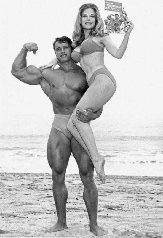 Великолепная Бетти Бросмер - мечта мужчин 50-х годов (12 фото)