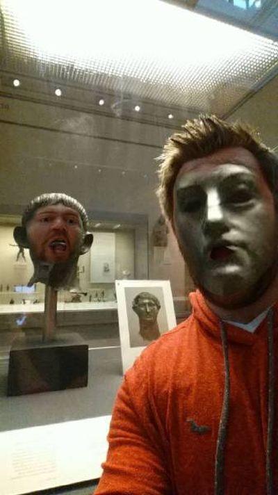 Обмен лицами с музейными экспонатами (11 фото)