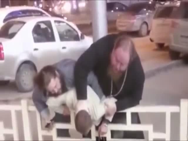 Батюшка в эфире ток-шоу «Пусть говорят»