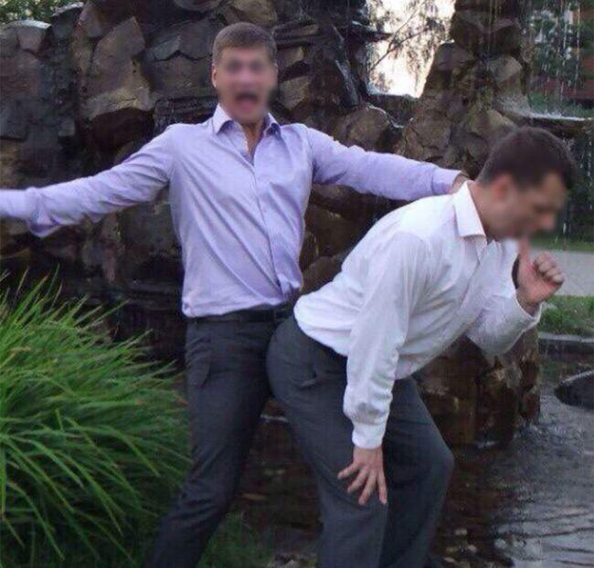 Начальник штаба ОМОН выложил в сеть гей-фото (3 фото)