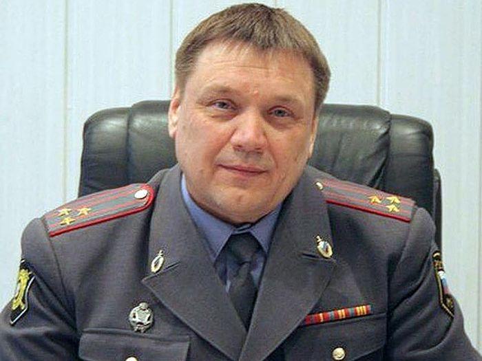 В Кемеровской области экс-глава регионального ГИБДД Юрий Мовшин устроил ДТП, в котором погибли 4 человека (3 фото + текст)