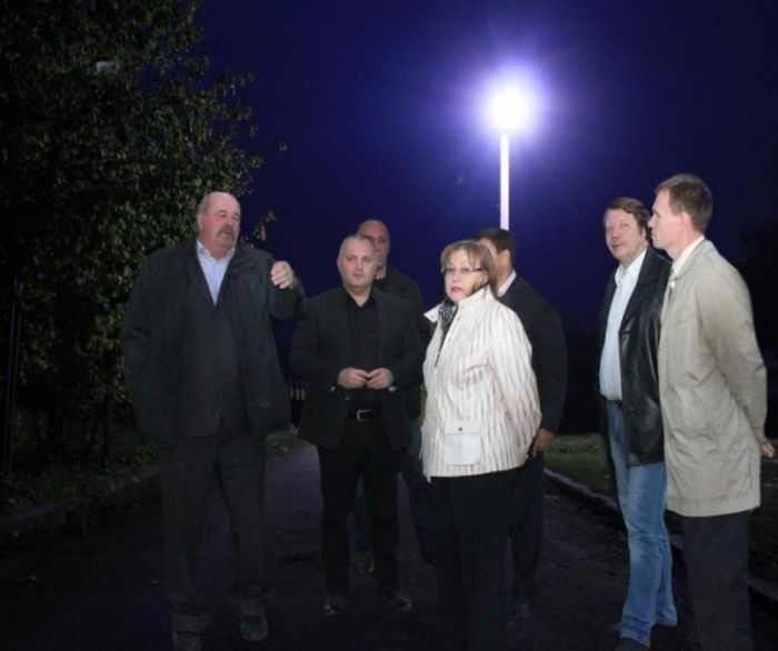 Челябинские чиновники с помощью фотошопа «установили» новые фонари (3 фото)