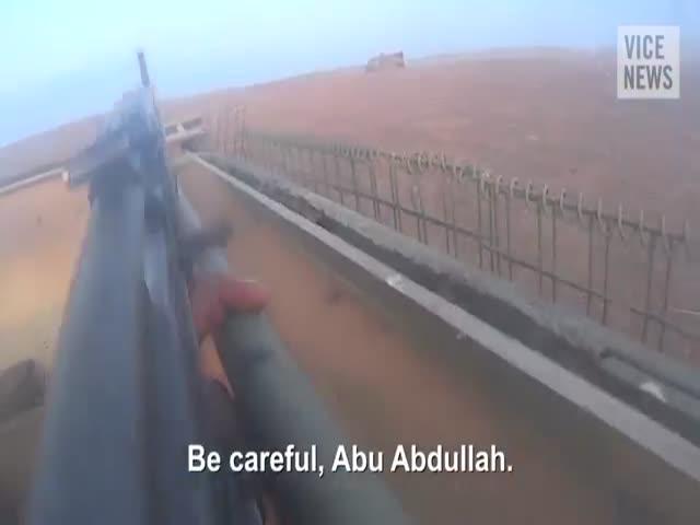 Бой исламистов ИГИЛ от первого лица